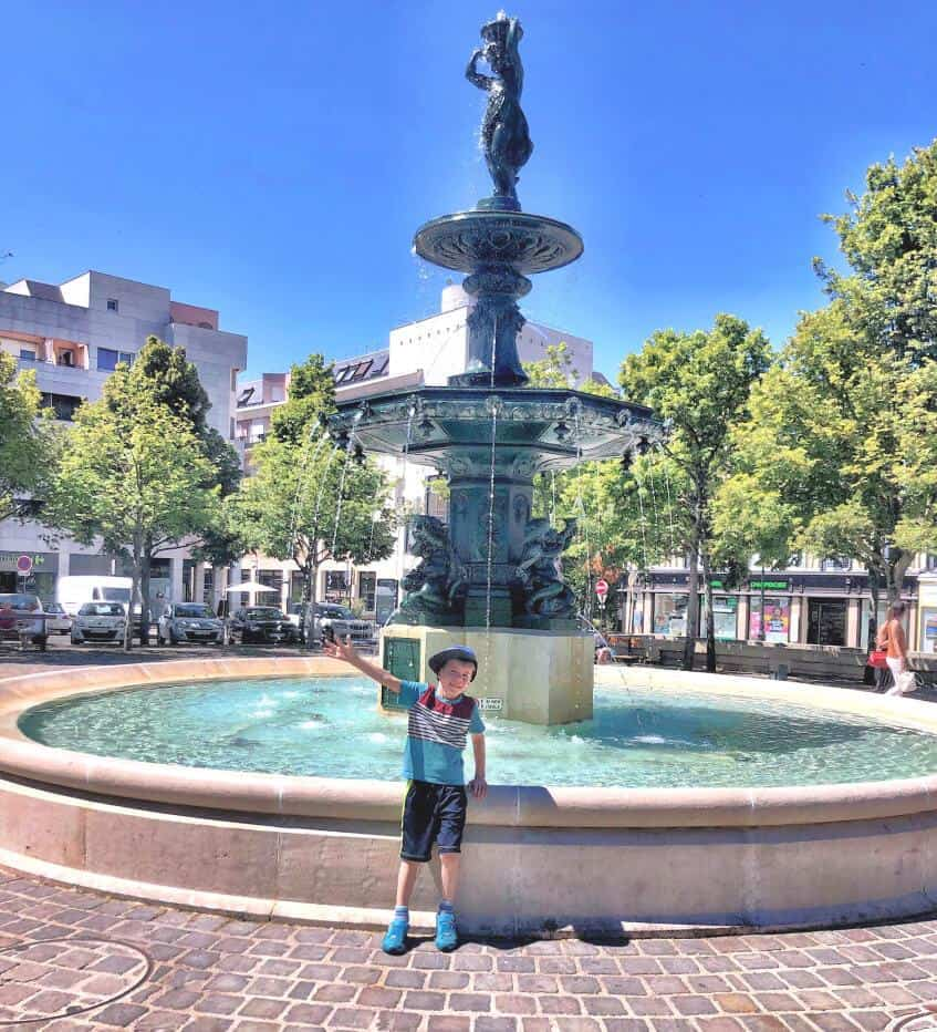 Fountain in downtown Epernay.