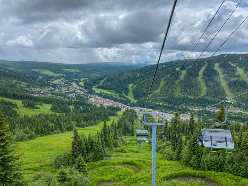 Chairlift in the summer at Sun Peaks Resort