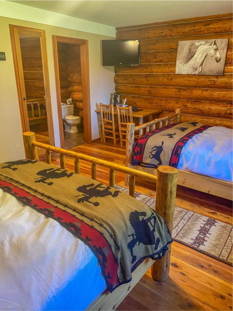 two queen beds in thee boys connecting cabin