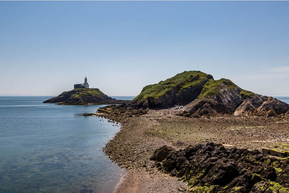 lighthouse in mumbles swansea
